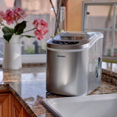 Silver Ice Maker Counter Top