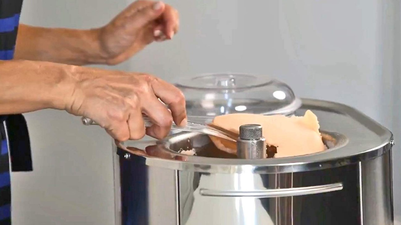 lello musso ice makers with ice cream